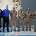 Solenidade de formatura dos policiais militares teve as presenças do prefeito Divino Lemes e da primeira-dama Laudeni Lemes, padrinhos da turma